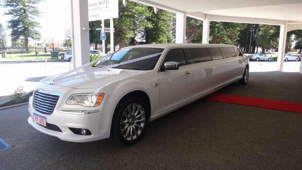 Hire-White-Limousine