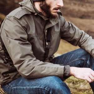 Hiking-jacket-VS-camping jacket