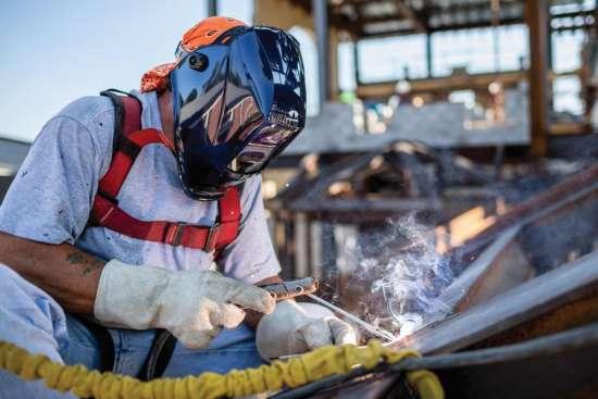 Choosing-Right-Welding-Helmet