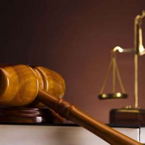 criminal lawyer description